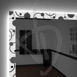 spiegel-massnahme-mit-gravierten-dekor-und-a030-beleuchtet-und-led-hintergrundbeleuchtung
