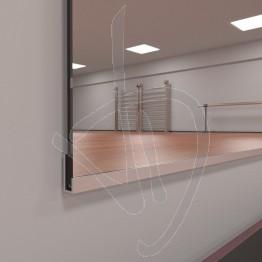 spiegelwand-mit-modularem-bausatz-fuer-wandbefestigungsprofile